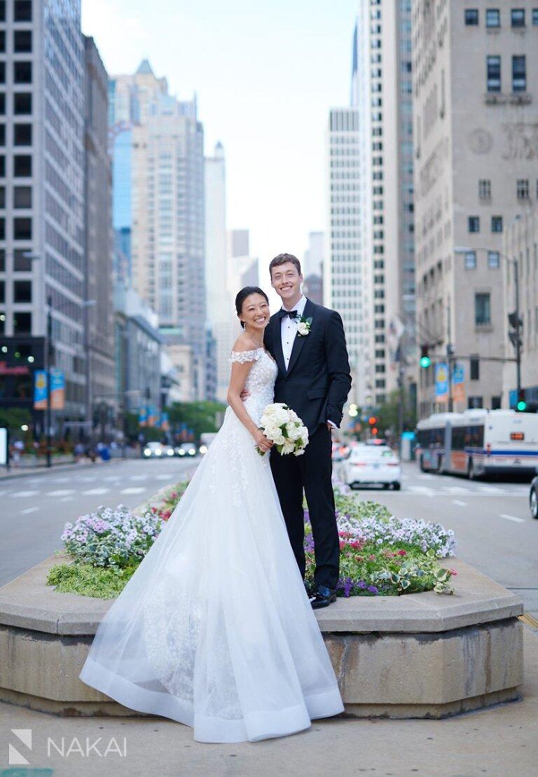 beautiful chicago wedding photos Michigan Avenue