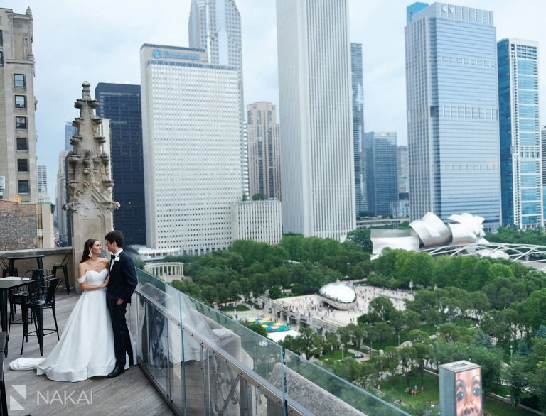 chicago university club wedding photographer balcony